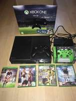 Xbox one 500gb + games + 2 controllers + hdmi cord