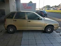 Gold 1.6i for sale