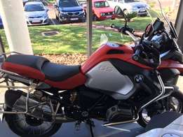 2016 BMW R1200GS Adventure in Racing Red