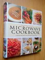 Reader's Digest Microwave Cookbook. 400 Pages. A step by step