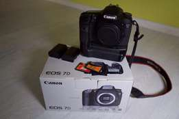 Canon 7D + battery grip + CF 16gb + extra battery #PROMO