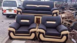 Black+cream 7/seater