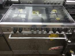 New (NEXUS 6 burner) 4gas nd electric with dual oven (electric nd gas)