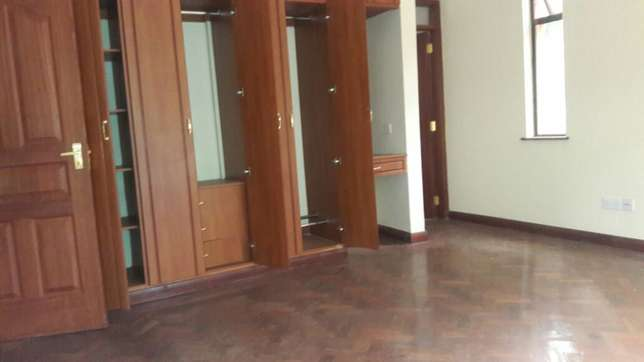 Kilimani 4 bedrooms town house to rent Kilimani - image 3