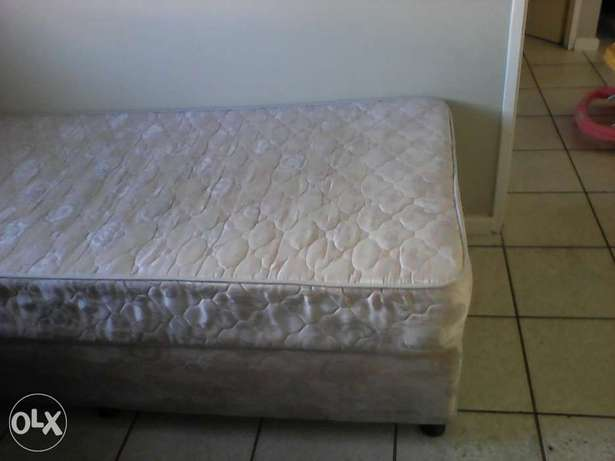 Single bed for sale. R600 Grassy Park - image 1