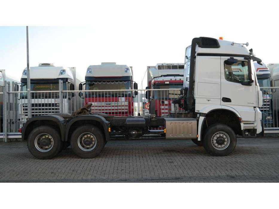 Mercedes-Benz AROCS 3352 180 tons push and pull HEAVY DUTY 6X6 EURO 6 9... - 2016 - image 3