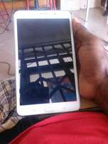 TAB 4 7inches take sim n sd swap allow