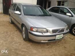 Registered 2003 Volvo V70 Silver color for sell in Portharcourt