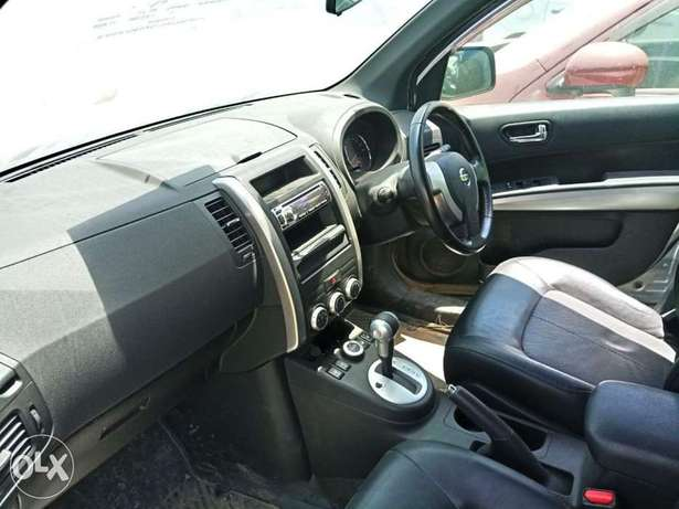 With leather seats Nissan Xtrail 2010 model. KCP number Mombasa Island - image 5