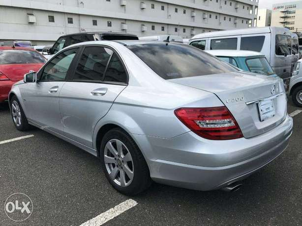 mercedez benz C200 of year 2011 for sale from a yard in Japan Utawala - image 6