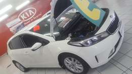 BRAND NEW! Kia Cerato 1.6 EX Manual - SAVE R10 000