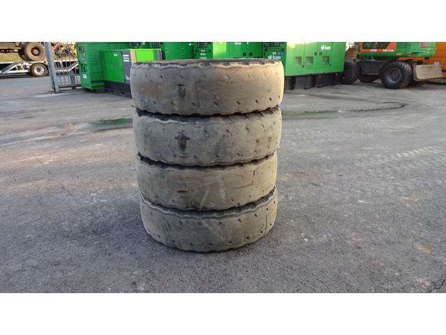 JCB Michelin X Mine 12.00 R 24 Met Velg - 2014