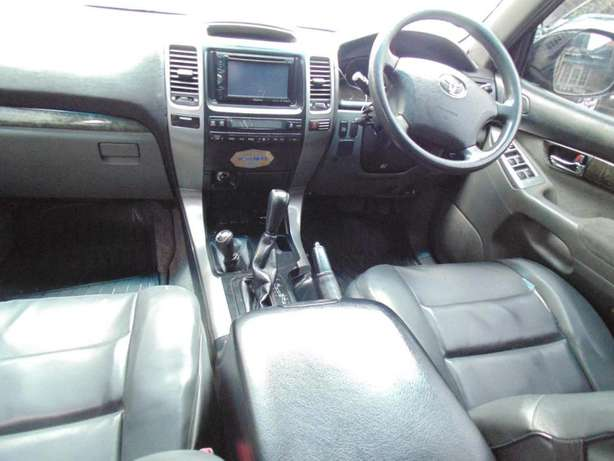 A very clean toyota landcruiser prado 7 seater on sale Hurlingham - image 4