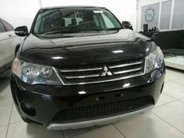 Mitsubishi outlander . 2010 model KCM number loaded with alloy rims