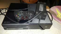 Latest XBOX 1 with controller and game
