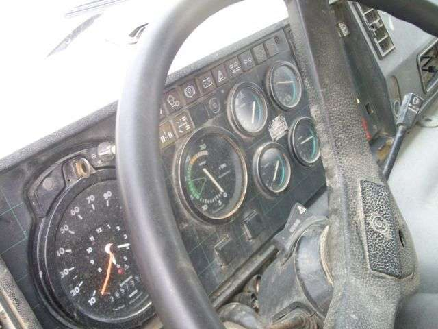 Iveco 330.30 - 1988 - image 9