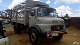 Mercedes-Benz 511 sand lorry