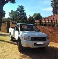 Clean 2006 Nissan Hardbody lwb 3.0 TDI For sale