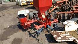 2 row planter, for sale