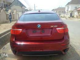 Sparkling 2011 BMW X6 xDrive35i (Keyless, V6) Full Option.