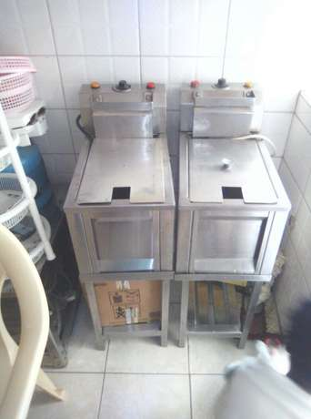 2 Commercial Stainless steel Deep Fryers/ Potato chipper/ Display warm Mlolongo - image 3
