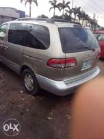 registered 2002 Toyota sienna