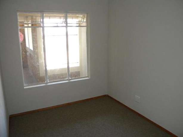 2 Bedroom Apartment / Flat to Rent in Northwold North Riding - image 8