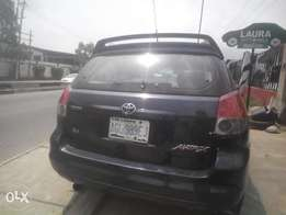 fairly used 2003,toyota matrix,istbody,ac chilling perfect gear n engi