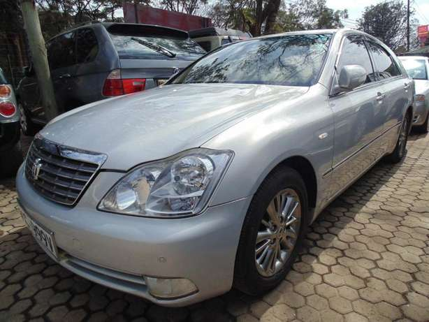 A very clean Toyota Crown on sale Hurlingham - image 6