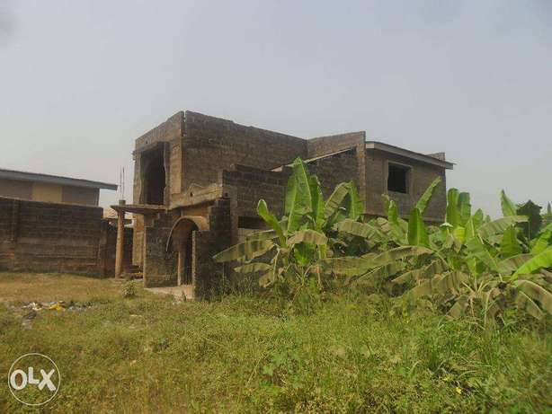 Uncompleted building Lagos Mainland - image 6