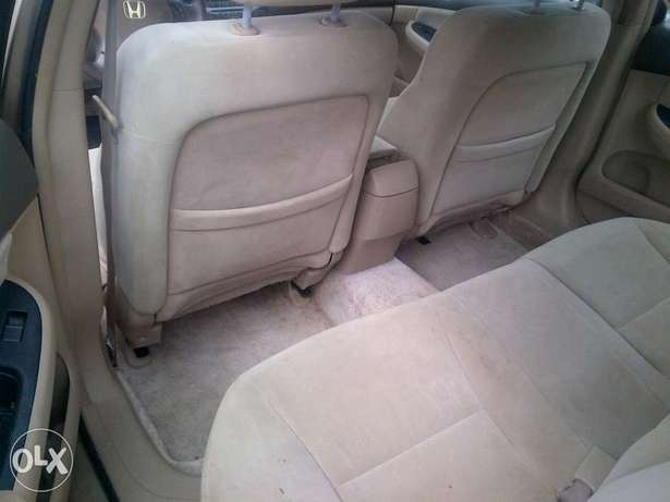 Sparkling and xcellent tokunbo Honda Accord gold 2007 Apapa - image 6