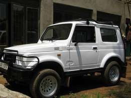 Suzuki santana jeep 4x4 at 7.5 M
