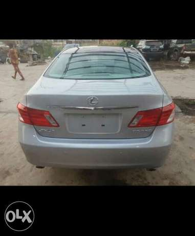 2009 Lexus Es350 Thumbstart Full Options Lagos Mainland - image 4