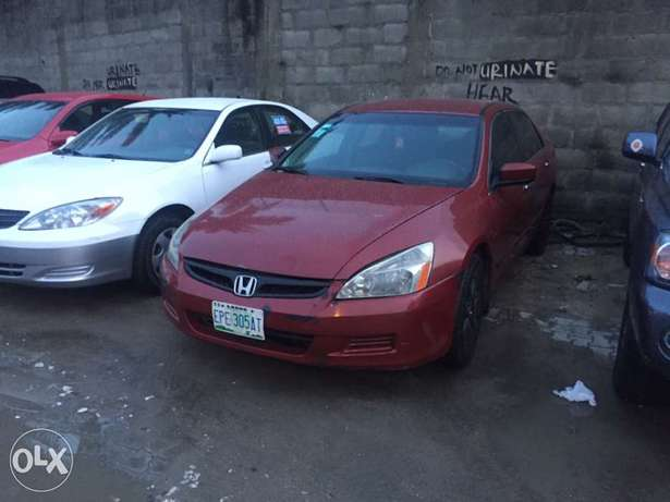Very clean Honda Accord 2007 used Ikoyi - image 6