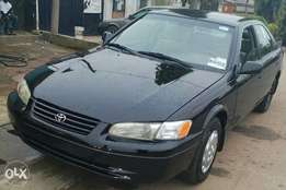 Toyota Camry 98/99 model black colour Tokumbo