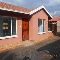 3 bedroom house for rent at Tlhabane west