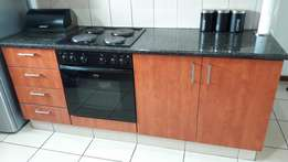 Kitchen unit with hob & oven