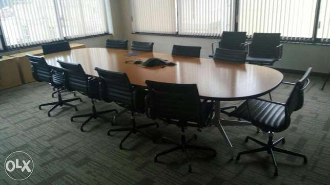 Conference table with 10 seats 90k Limuru Town - image 1