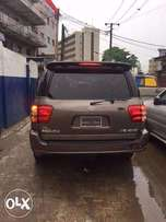 Tokunbo Toyota Sequoia 2004 Model (FOREIGN USED)