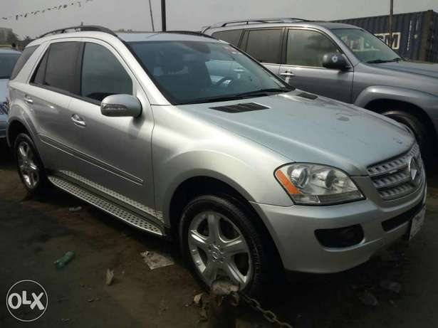Foreign used 2007 Mercedes Benz Ml350 4matic. Direct tokunbo Apapa - image 1
