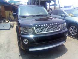 Super clean 2013 landrover rangerover sport negotiable
