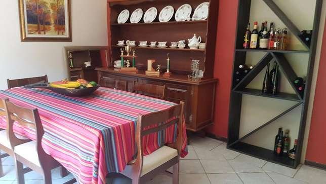 Spacious family home with a 1 bedroom flat up for sale. Sinoville - image 6