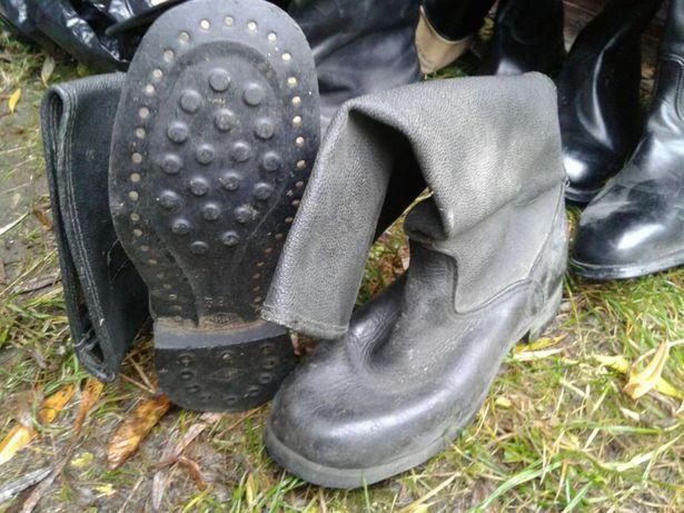 Кирзові та хромові чоботи  400 грн. - Чоловіче взуття Стрий на Olx c2dcf878ddfd8