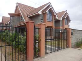 Luxurious Comfort Town Houses For Sale