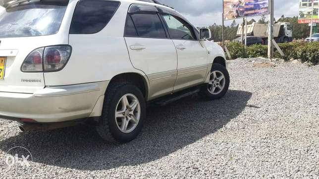 Toyota Harrier In perfect condition Lavington - image 4