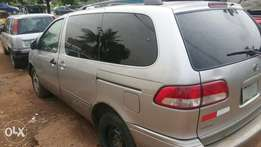Toyota sienna 2002 firstbody with cooling ac