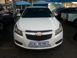 Chevrolet Cruse Saden 1.6 2011 Model