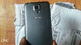 Sale of very clean UK used Samsung Galaxy S5