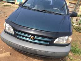 clean title accident free tokunbo 1999 model Toyota sienna