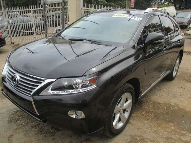 Extremely Clean Lexus RX350,011 Tokunbo Lagos Mainland - image 2